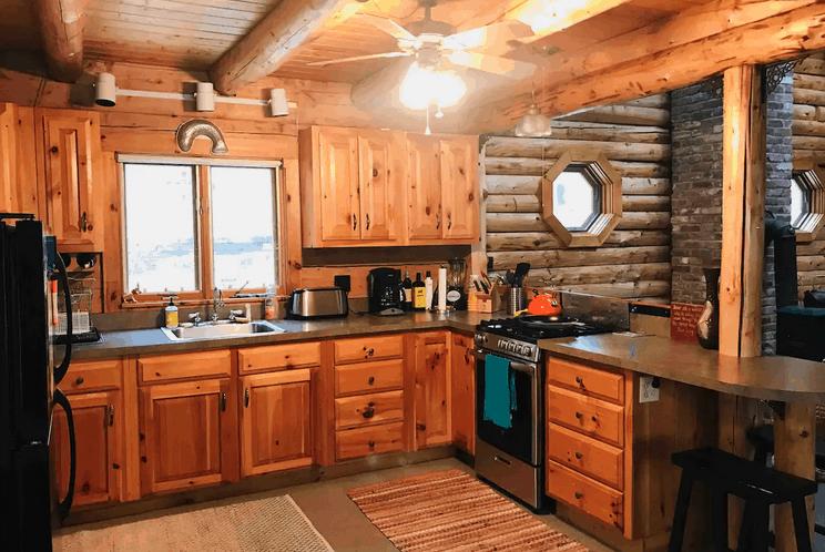 Beautiful Log Cabin Belleau Lake, Pet Friendly NH