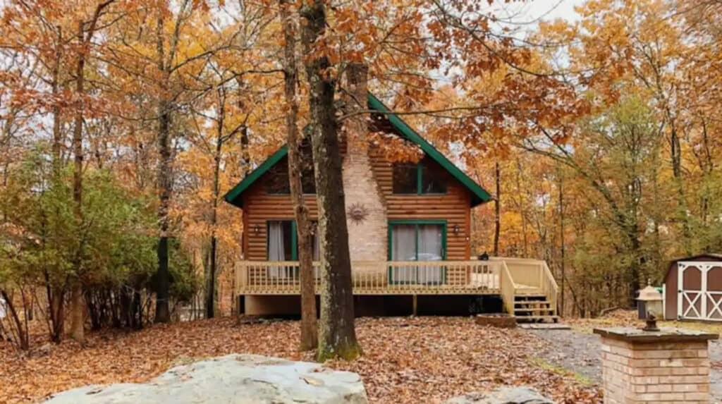 Chic Pocono Cabin Near Bushkill Falls