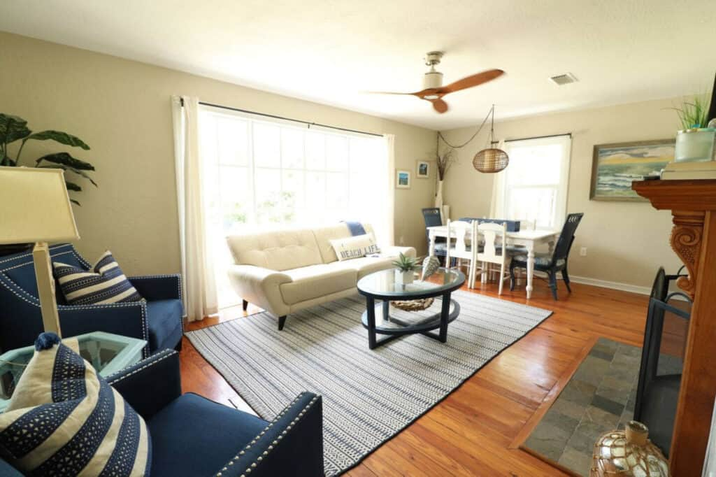 New Smyrna Bright Mondern Cottage with Fenced Outdoor Living Space