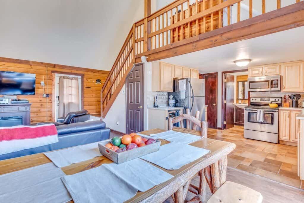 Pet Friendly High Tech Log Cabin Berkley Springs WV