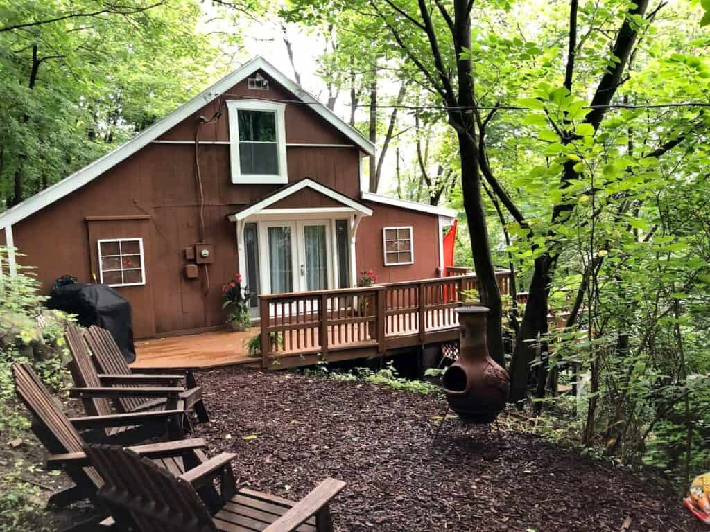 Pet Friendly, Hot Tub Hidden Hill Unique Cabin WV