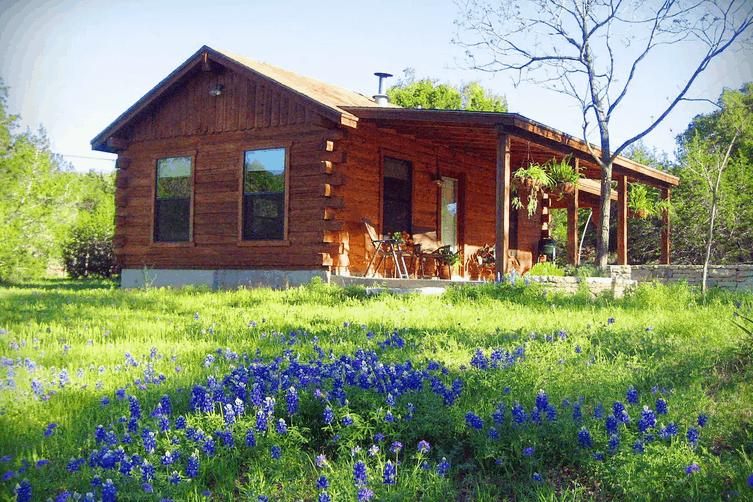 Romantic Pet Friendly Airbnb Cabin Texas