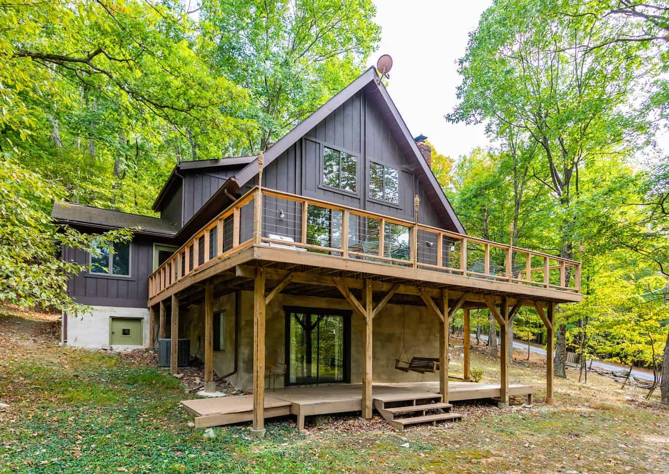 Unique Pet Friendly Cabin West Virginia Chalet Cabin with Private Lake Huge Deck
