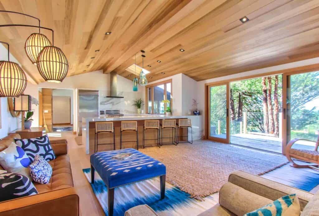 Big Sur Bright Contemporary Airbnb with Oceanviews