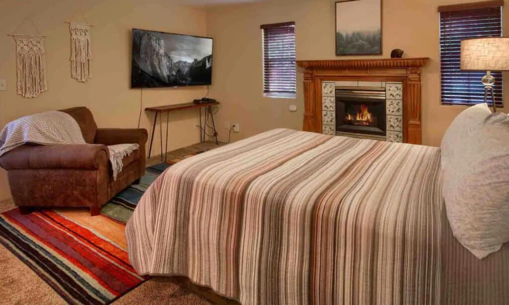 Cozy Studio Located Inside of the Yosemite Park