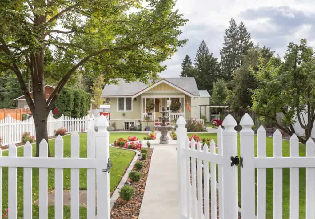 Dog Friendly Spokane Cottage with Manicured Garden and Outdoor Grill