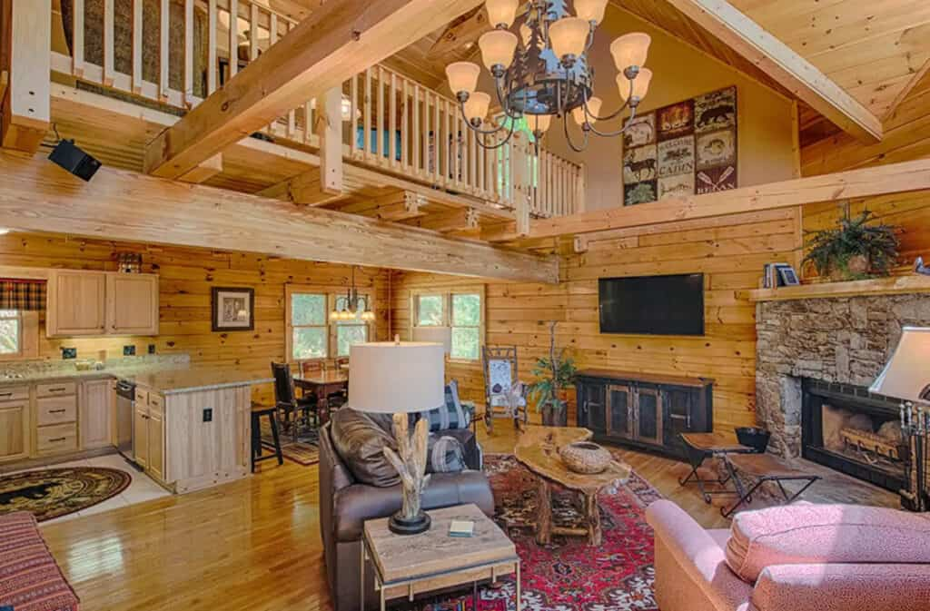 Log Cabin for 10 with Views and Pool Table