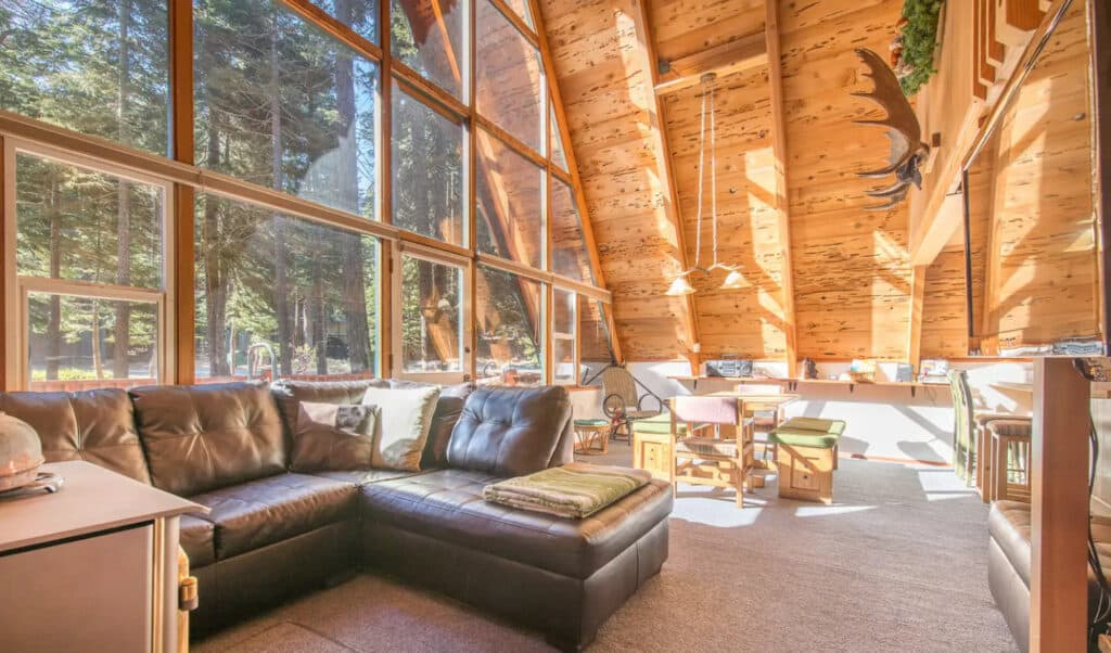 Spacious Cabin with Chamberland Community Amenities
