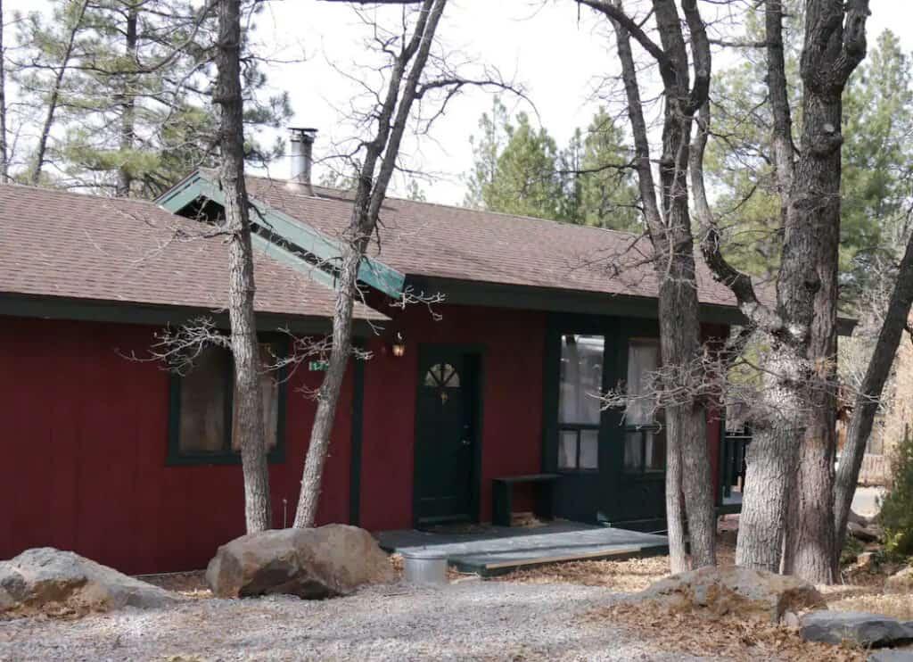 Budget-Friendly 3-bedroom Cabin in Munds Park