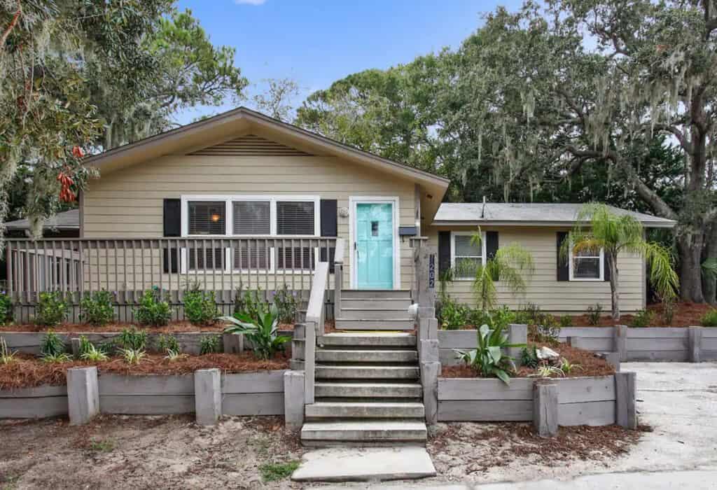 Coastal Island Cottage that Sleeps 14 Tybee Island Pet Friendly